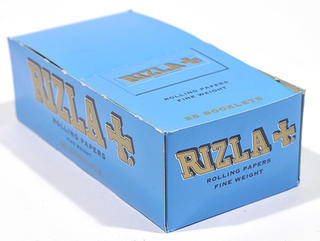 Rizla Regular Blue Double Rolling Papers Carton