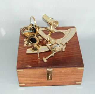 Brass Sextant in Wooden Box (20cm Square)