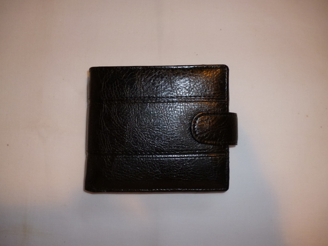 Wallet Black Leatherette Stitched w. Snap Catch